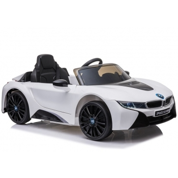 Valge BMW I8 1.jpg